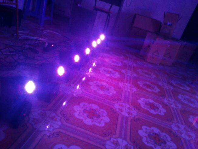 Đèn moving head mini cho phòng hát karaoke, bar