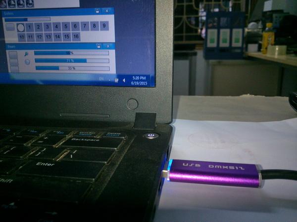 Bộ điều khiển USB DMX 512 kết nối với máy tính