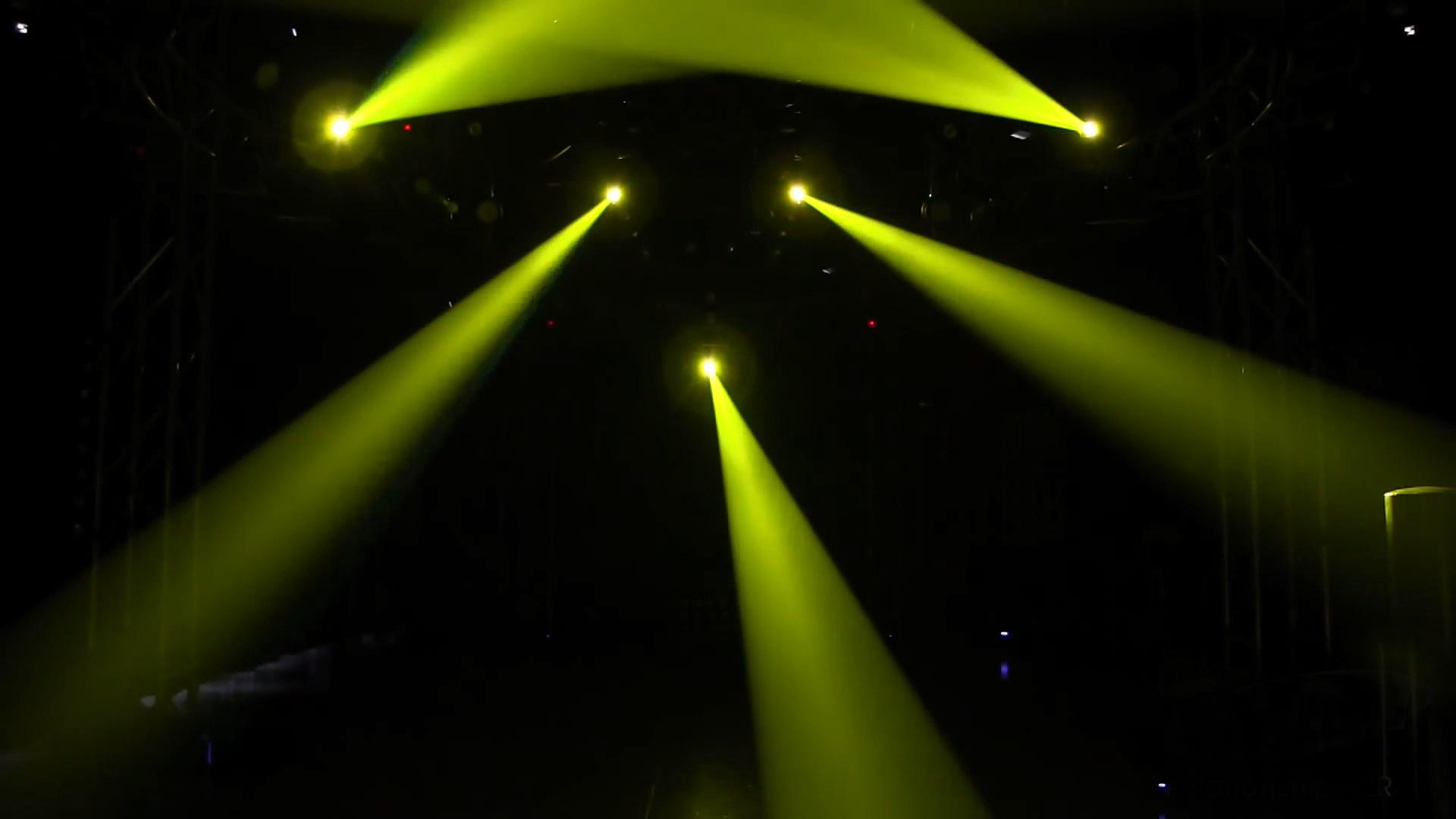 Đèn 4 trong 1 xạ thủ Sniper thay đổi màu sắc trên sân khấu