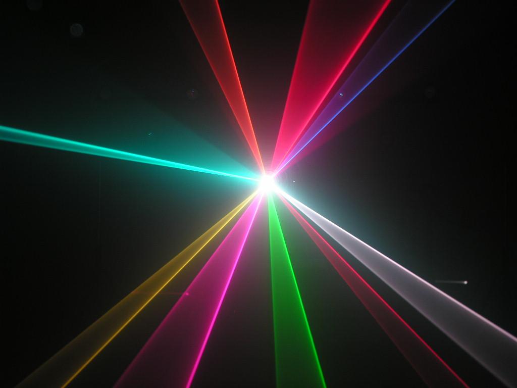 Hieu ung quet tia den laser 1 cua 7 mau VD230RGB