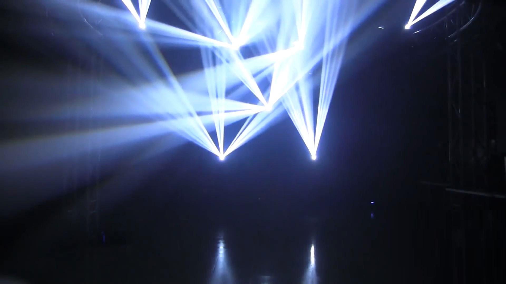 Đèn xạ thủ Sniper trên sân khấu