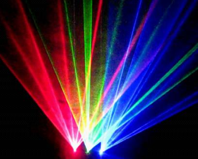 Đèn laser 3 cửa 3 màu RGB nổi trội với 3 cửa tích hợp 3 màu sắc trong cùng 1 đèn chiếu: đỏ,xanh lá, xanh dương. là thiết bị ánh sáng có thể dùng trong sân khấu, trình diễn, các quán bar, nhà hàng,... Có các chế độ quét đảo, quét cặp 2 cửa, quét độc lập.