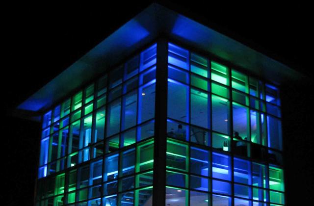 Trang trí ánh sáng cho tòa nhà