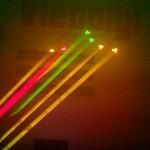 Hiệu ứng bắn chùm tia của đèn laser này