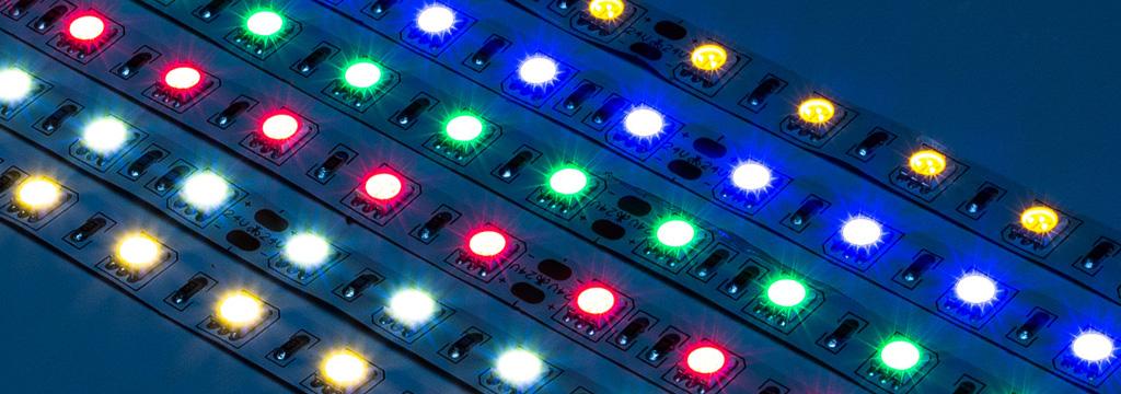 Đèn LED thanh RGB được điều khiển màu bằng bộ giải mã DMX decoder