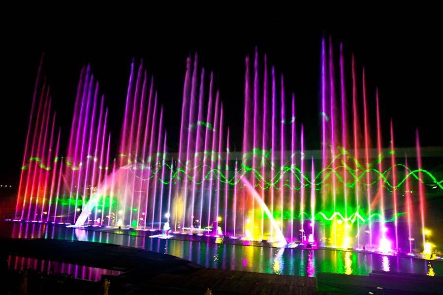 Chuyên thi công lắp đặt hệ thống Nhạc Nước , sự kết hợp giữa âm thanh, ánh sáng và giai điệu của nước cùng hòa quyện vào nhau tạo nên một màn trình diễn vô cùng đặc sắc