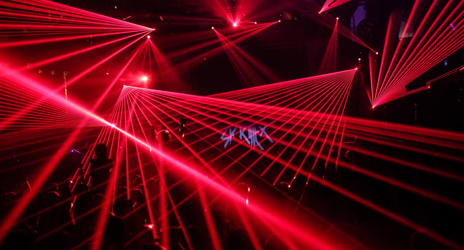 Đèn laser công suất lớn, các loại đèn laser sân khấu.