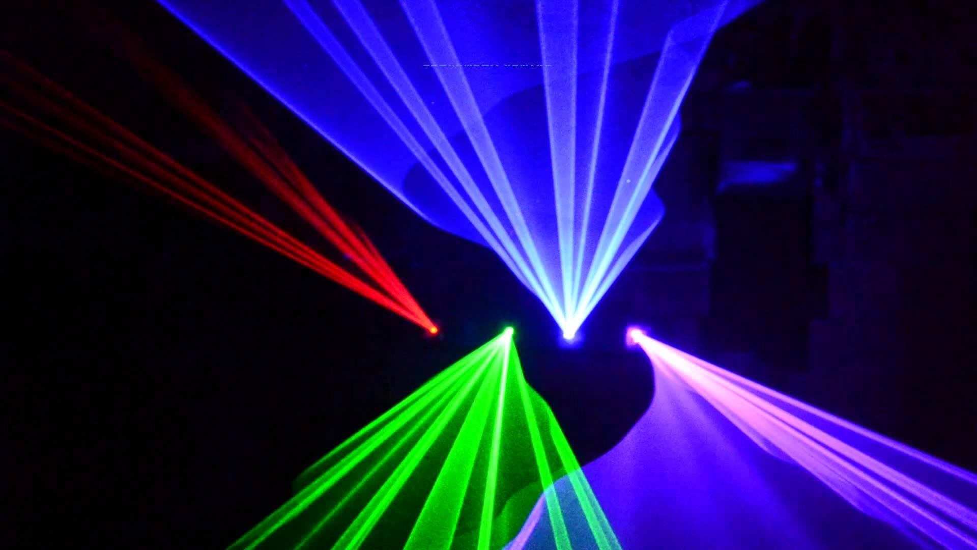 Quét tia laser 4 màu cực đẹp