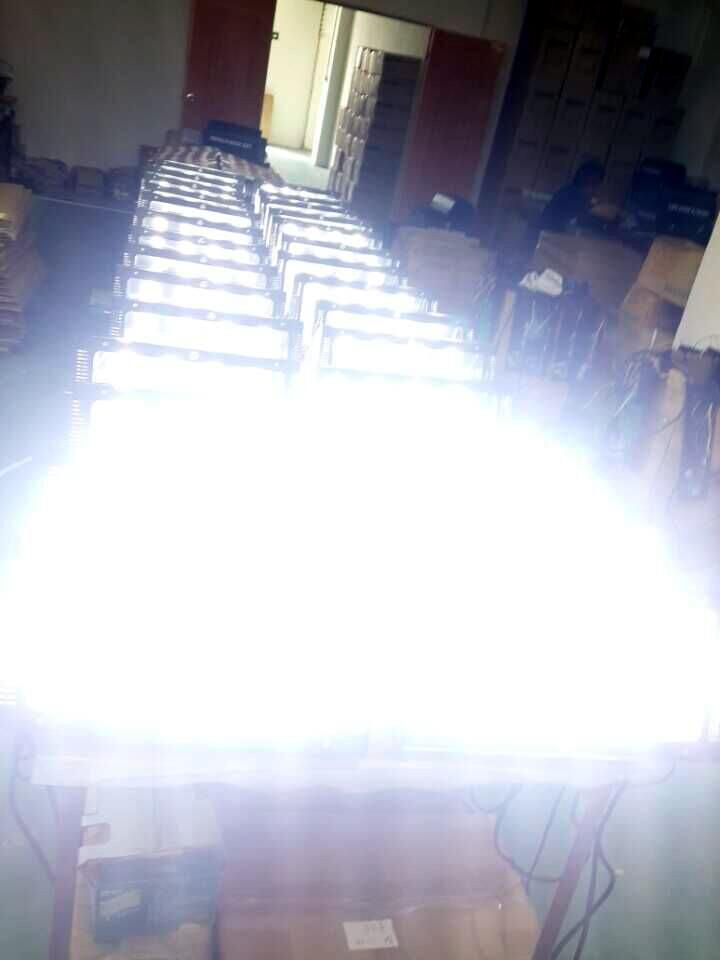 Chạy thử nghiệm đèn chớp 400W