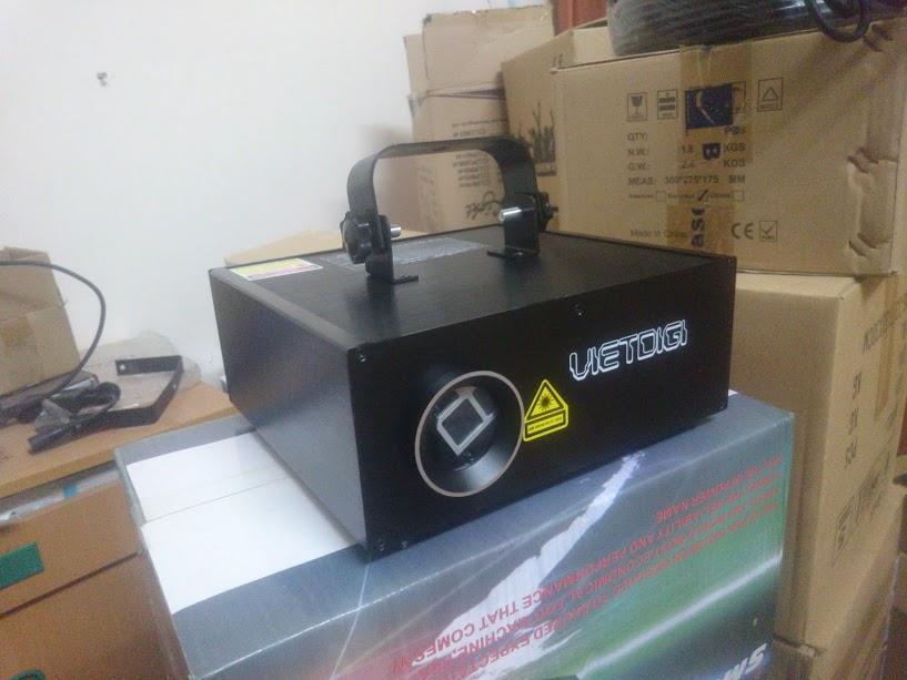 Đèn laser 7 màu 5 trong 1 3D